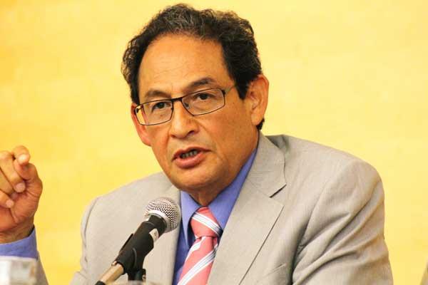 Periodista mexicano es multado con US$522,000 por «daño moral» a un funcionario público